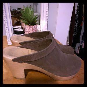 No. 6 Clogs Size 35